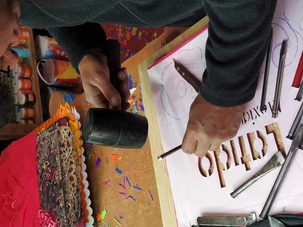 Artesanias mexicanas, la elaboración del papel picado en el municipio de Metepec, Estado de México