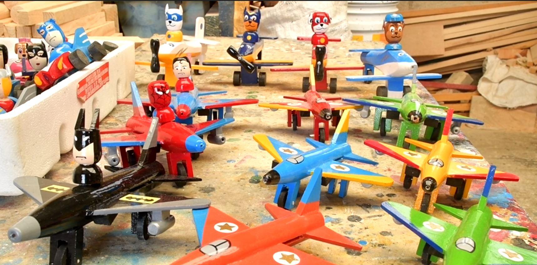 Edomex: San Antonio la Isla el paraíso de los juguetes de madera creados por artesanos mexicanos