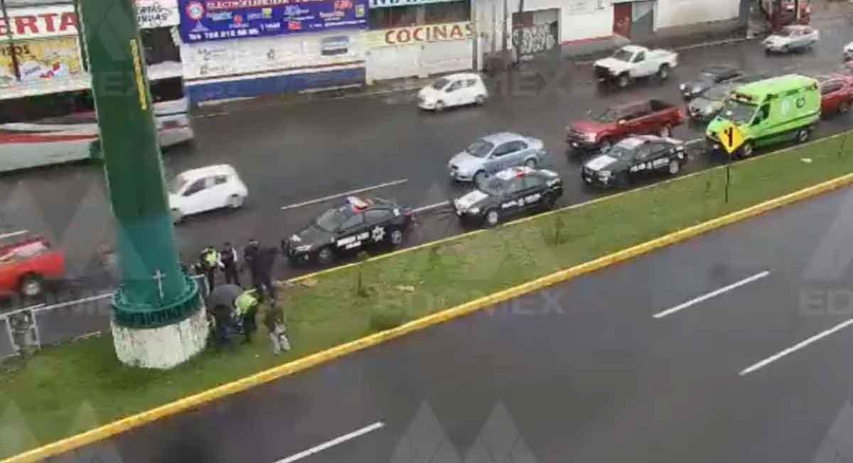 Toluca noticias: Video de motociclista que pierde control en Tollocan