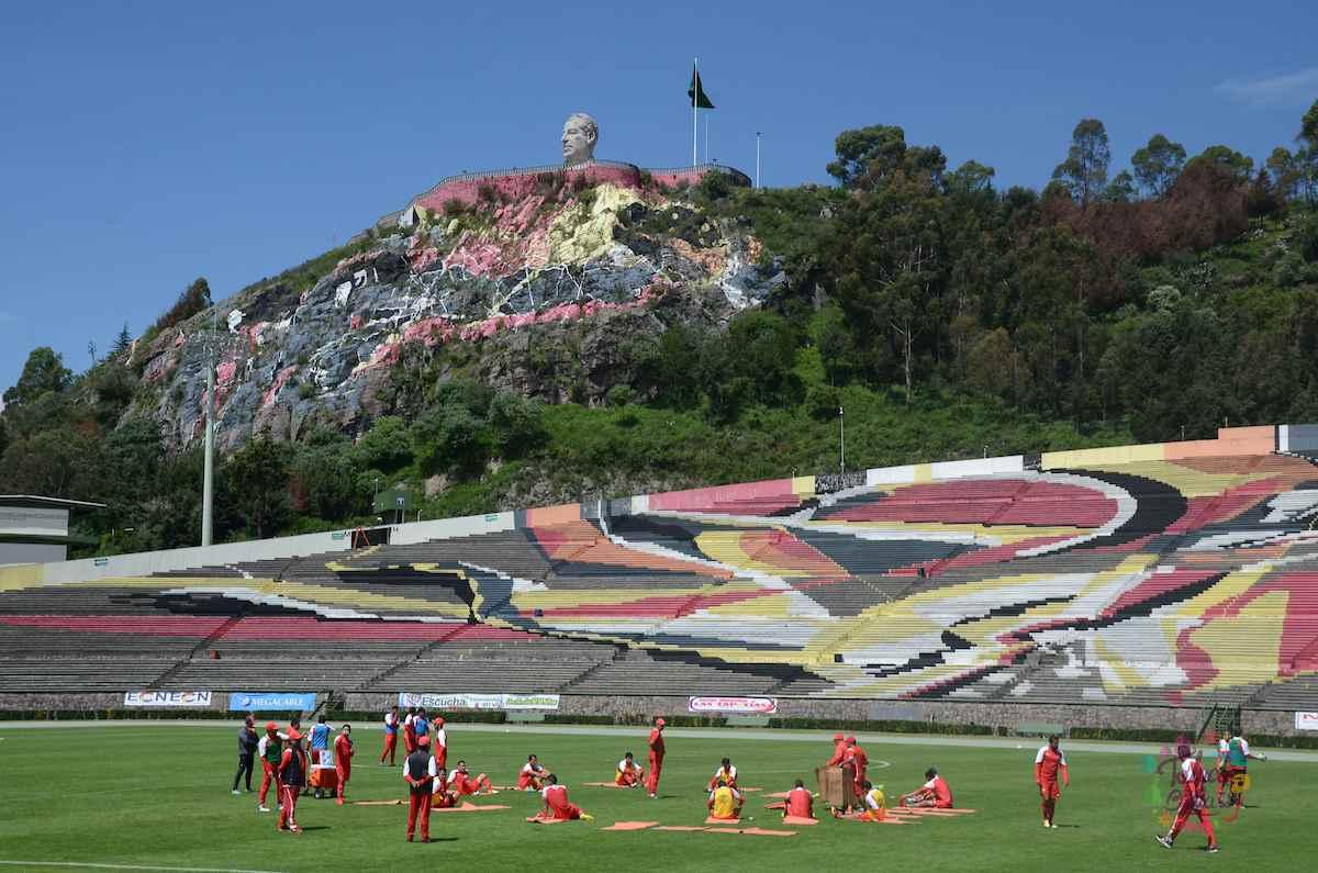 """Alberto """"Chivo"""" Córdoba, uno de los estadios más originales de México"""