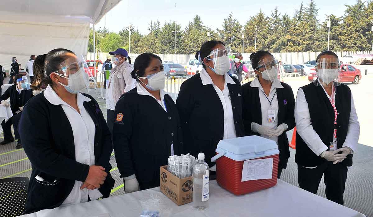 Aplicación segunda dosis en Toluca para personas de 30 a 39 añose