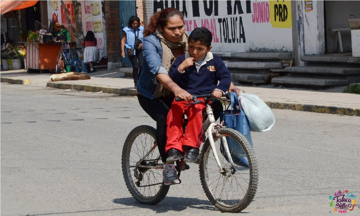 Bicionarias de Toluca deciden implementar el Bicibus escolar