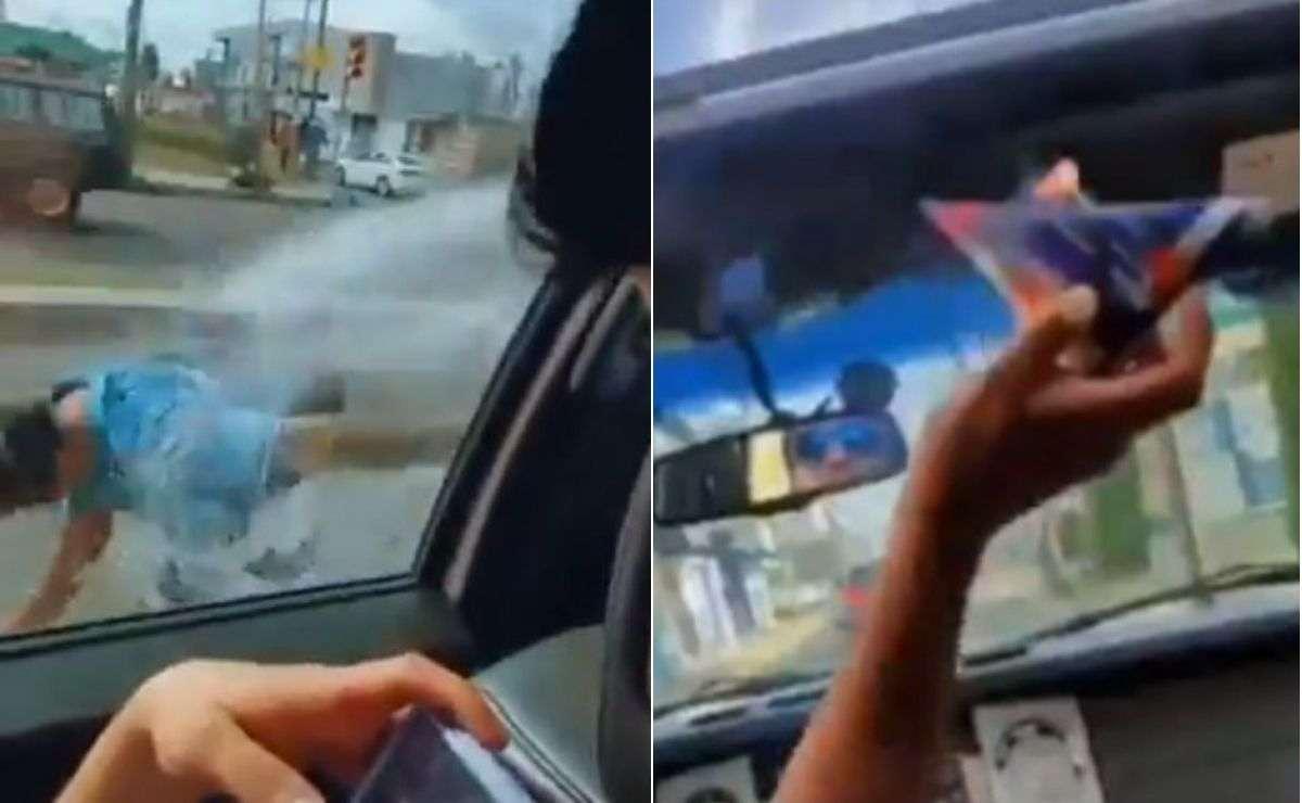 Jóvenes lanzan espuma y cohetes a la gente en Puebla