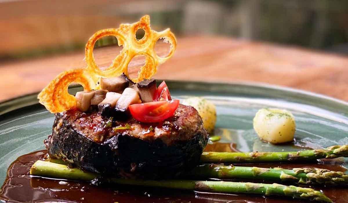 El restaurante toluqueño Petra fonda anunció el regreso de su ya famosa chilaquihojaldra, se venderá a partir del 1 de octubre, tienes que hacer reservación
