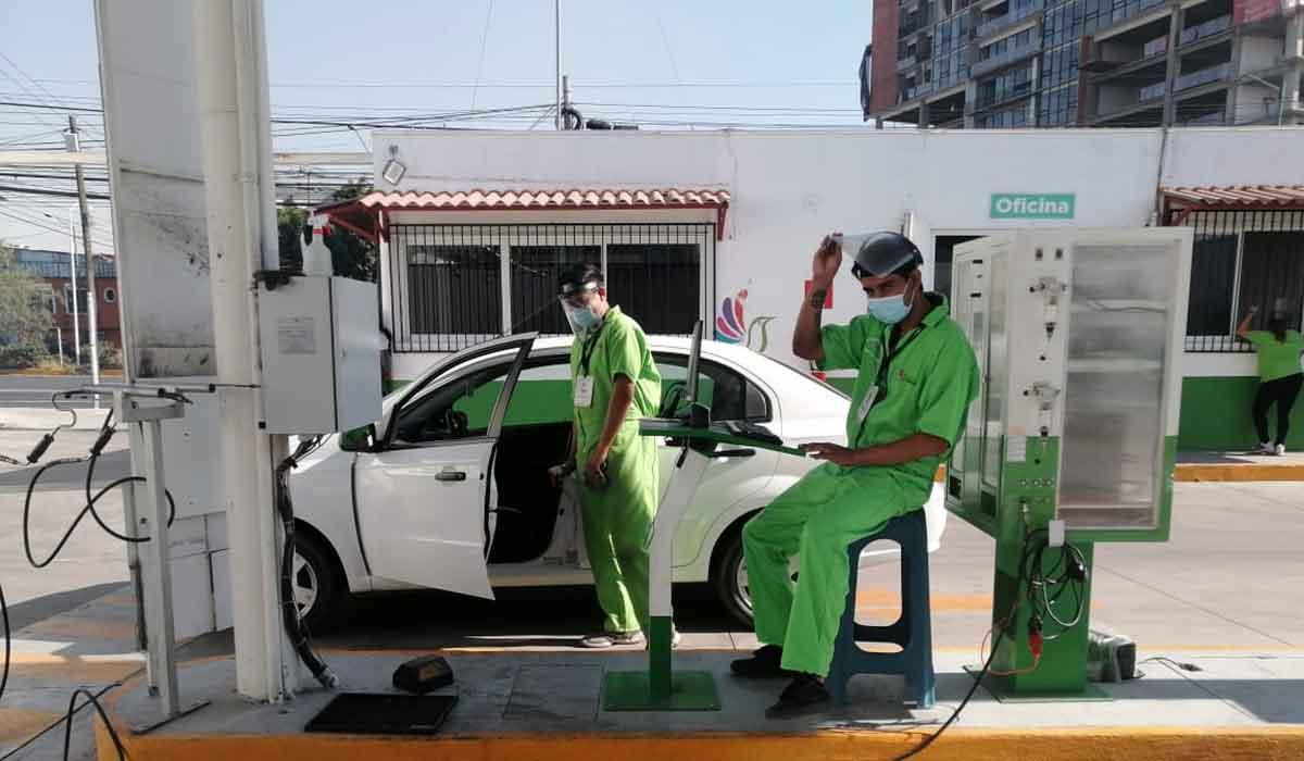 Fecha límite para la verificación vehicular del Edomex 2021 para autos cuyo engomado es rosa, en lo que queda del mes de septiembre deberán agendar su cita y hacer el trámite, aquí te decimos cómo
