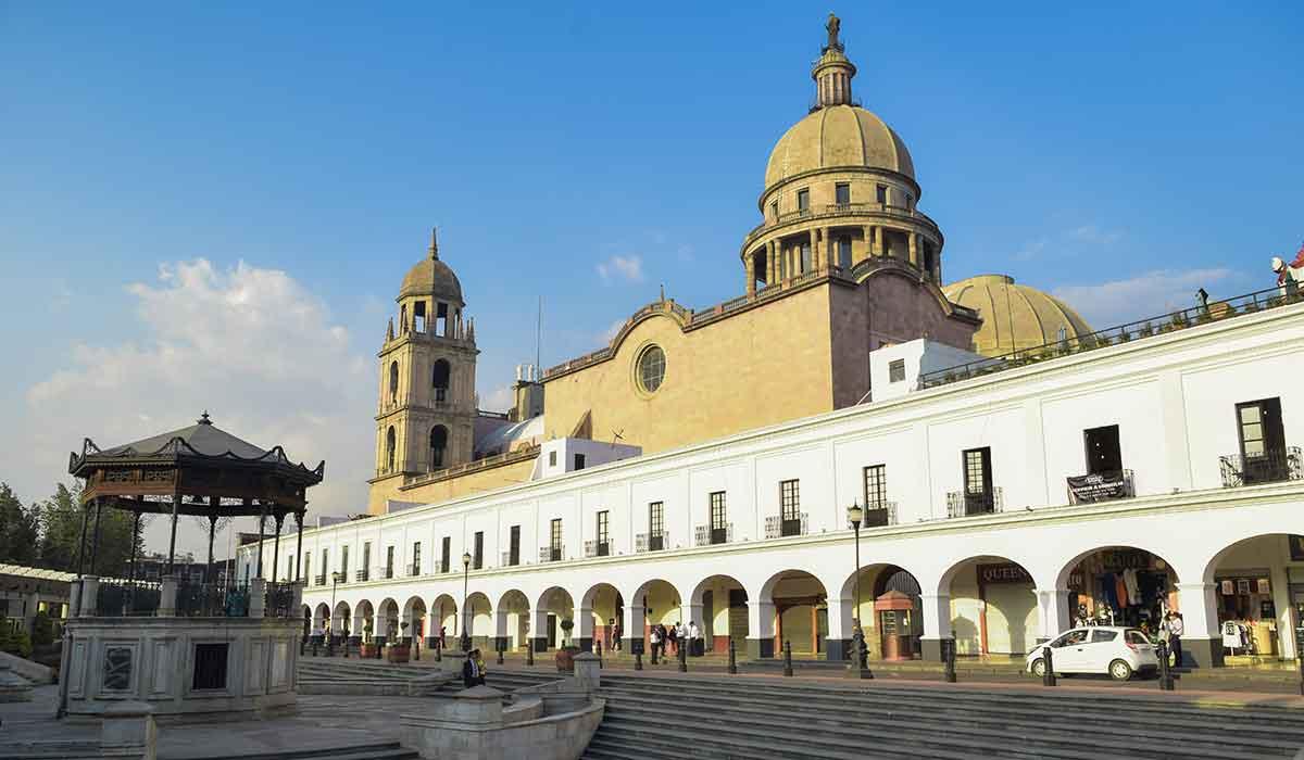 Anuncian más artesanos del dulce para la edición de la Feria del Alfeñique 2021 en Toluca, además te decimos cuándo se realizará este año.